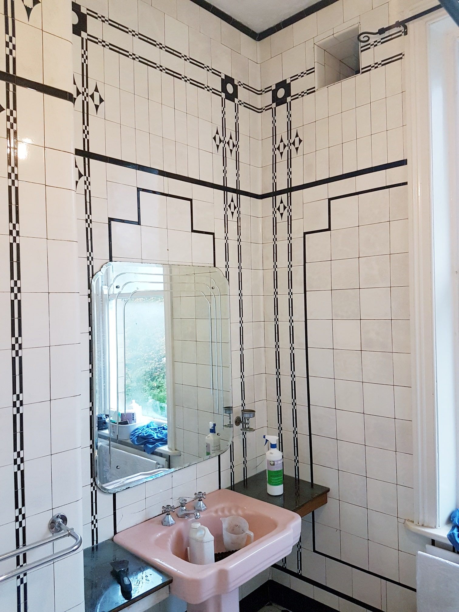 1940 Period Ceramic Tiled Art Deco Bathroom Afer Cleaning Leeds